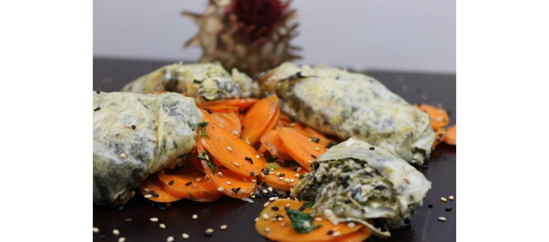 Gemüsetaschen mit buntem Karottensalat